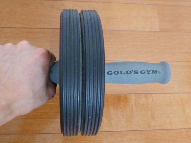 ゴールドジムの腹筋ローラー