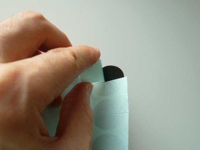 ファイテンのメタックステープのベタつきや匂い
