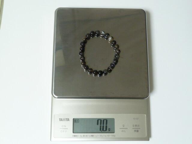 ファイテンのクリスタルタッチブレスの重量は約7g